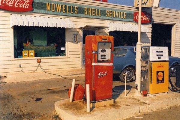 William Eggleston gas station picture aurélie lemaire slow culture