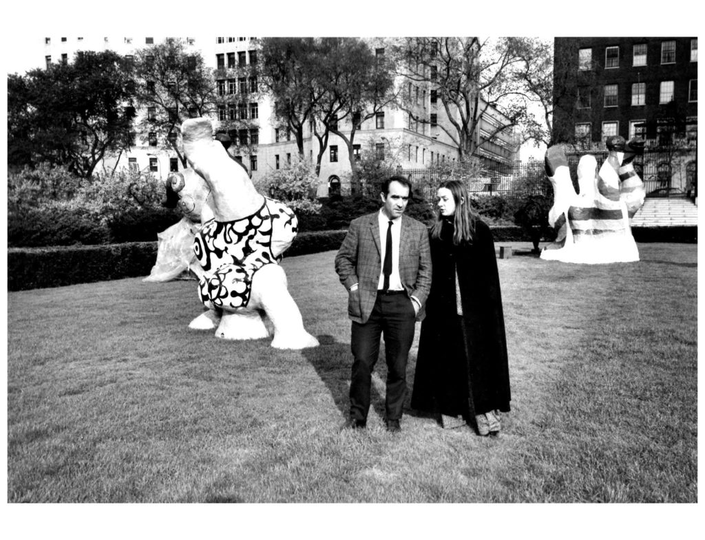 niki-saint-phalle-with-her-husband-painter-and-sculptor-jean-tinguely-photographed-by-jill-krementz-in-new-york-city-1968