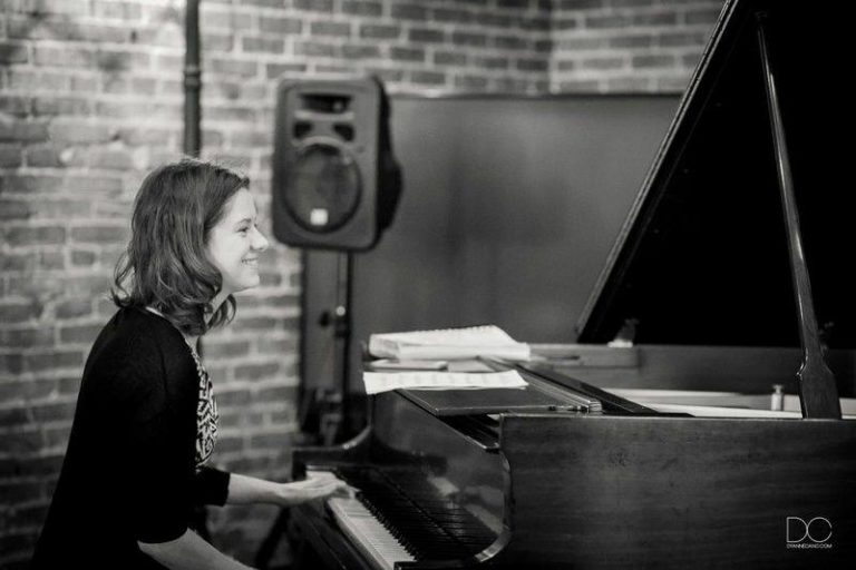 Picture of pianist Cathlene Pineda